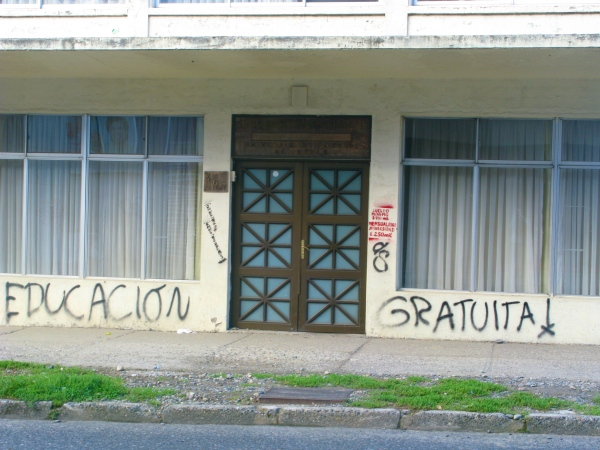 """Free education!"" Valdivia."